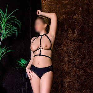 Leisure whore Aletta loves flirting with cum on her body before sex. Service in the Berlin escort agency