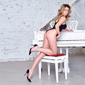 Private Escort Hookers In Berlin Order Slim Alexa Brings Dildo For Perfect Sex Affair