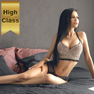 Escort Berlin Alianna sehr dünn flexibel beim Sex sofort kennenlernen
