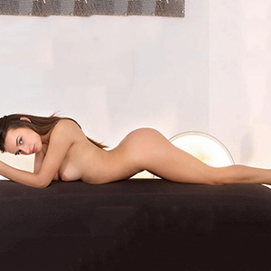 Sex Acquaintances In Berlin With Escort Lady Amira Offers Massage