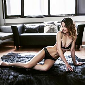Asisa sehr dünne Escort Ladie Kontaktanzeigen Sex Öl Body Massage Berlin