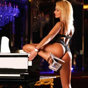 Sex Vermittlung in Berlin mit kleine dünne Escort Prostituierte Barbara