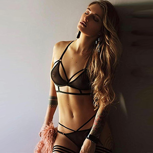 Beate Domina Escort Hure Berlin Meisterin in Erziehung Soft Sklavia Perfekten Sex Service