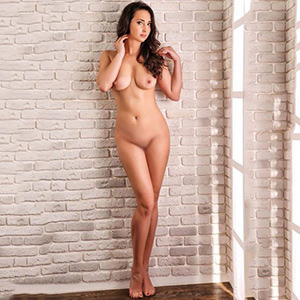 Order Top Girl Bettina for French with contraception service in the Berlin escort agency