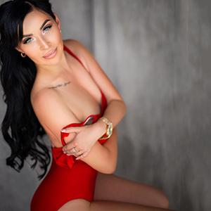 Bildhübsche junge Dame sucht spontanen Sex