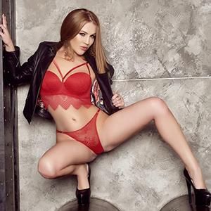 Privatmodelle Berlin Brenda süßes Model bietet Gesichtsbesamung und geilen Sex