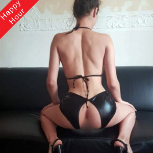 Sex Berlin Privat mit Escort Nutten Corinna mag Facesitting