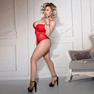 Luxury lady Dina Hot to the apartment for bi, service for women service via Escort Berlin