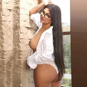 Escort Lady Samantha Stern Erotic Curves Loves Sex Affairs In Berlin