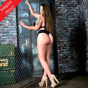 Dickes Escort Model Demi Hot in Berlin mit großen Titten bietet Domina Service