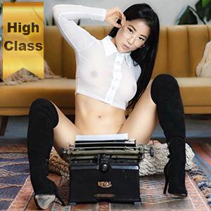 High Class Escort Girl Berlin Sayuri aus Asien zierlich erfüllt Striptease Sex Öl Massage