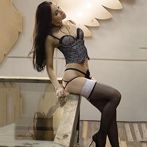 Eugenija Escort Girl in Berlin liebt Liebevolle Berührungen mit viel Sex & Erotik