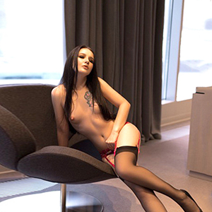 Privatmodelle Berlin Glorija Petite Escort Girl In Suspenders Sex In All Positions