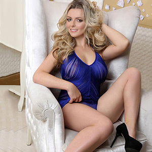 Bella Small Erotic Escort Whore In Berlin Horny For Quick Sex In Between