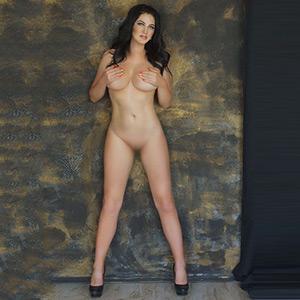 Ladie Idyllia hat Fette Titten bietet Dildo Sex Spiele bei der Agentur