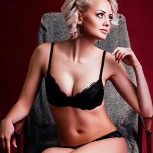 Dünne Edel Prostituierte in Berlin Ivanka super Sex Escortservice bei jedem Date