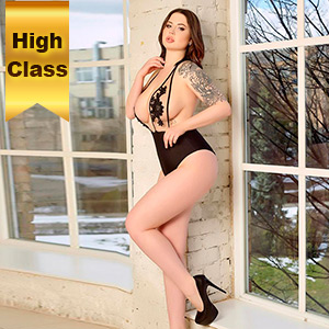 VIP Class Lady Jutta 2 likes to make house or hotel visits with outdoor sex service at Escort Berlin Agency
