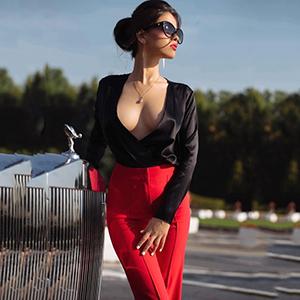 Callgirl Kaya in Berlin provozierende Schönheit Mega große Titten macht speziellen Sex-Service