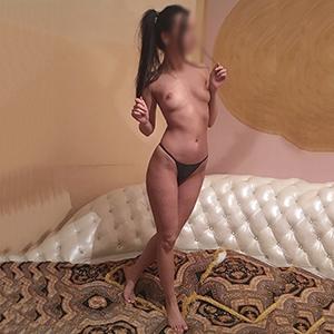 Zierliches Escort Model Kim sucht eine offene Sex Beziehung in Berlin