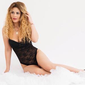 Leila Romantisches Topmodel mit rassige Ausstrahlung bei Escort Berlin