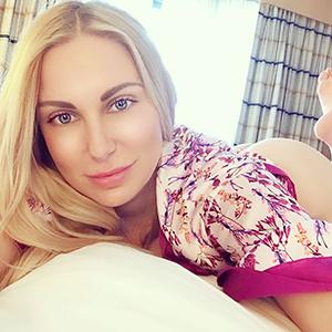 Privatmodelle Berlin Lorena First Class Escort Ladie schlank Top Figur sucht Sex Bekanntschaften