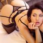 Escort Berlin Naturgeile Ladie Lysi erotische Rundungen sexy Lippen zeigt Nackte Fotos