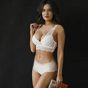 Escort Mandy Ihr Kussmund strahlt Erotik pur sucht Sexverhältnis im Stundenhotel Berlin