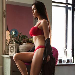 Maria Privatmodell Berlin mit großen Titten steht auf Sex & Begleitservice