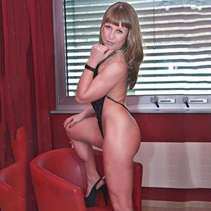 Marika sportlicher sexy Körper mit festen Brüsten bietet Sex Begleitservice in Berlin