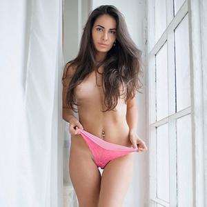 Melanie Sex bei Haus & Hotelbesuche mit High Class Ladie Escort Agentur Berlin