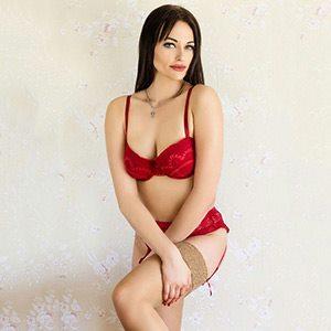 Escortmodel Mette mit wunderschönen Augen macht eine Spezielle Sexmassage in Berlin