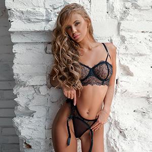 Escort Ahrensfelde Berlin Mirella Privat Star Model liebt Sex Dildospiele