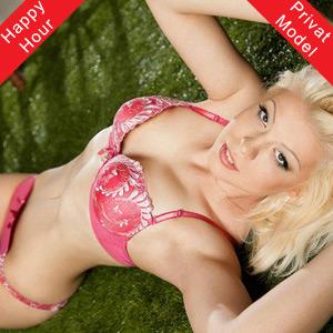 Nadine Abenteuerlustige Blondine mit Sex & Domina Service Escort Berlin