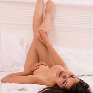 Junges süßes Escort Girl Nicol Browny besucht dich Privat für geilen Sexuelle Anlässe