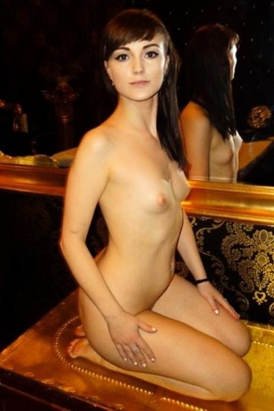 novum hüsten erotik modelle berlin