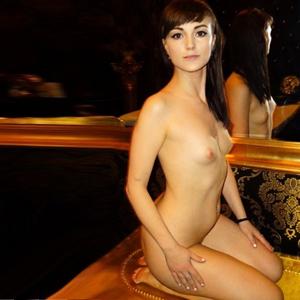 Nicoletta ein besonders hübsches Junges Girl Erotik Escort Berlin