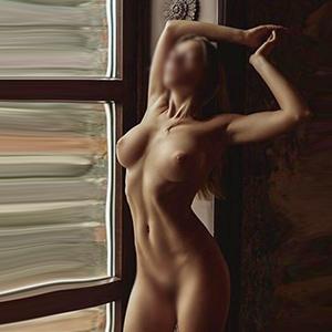 Olesja sexy Lesbe steht auf Gesichtsbesamung im Hotel Escort Berlin