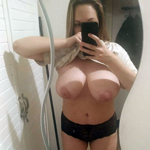 Escort Erkner Rajssa schlanke Ladie sucht Private Sextreffen im Hotelzimmer