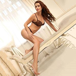 Sexkontakte mit Ladies bei Privatmodelle Berlin Rischa erotische Brünette mit Top Escortservice