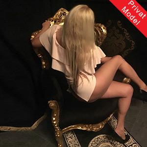 Sarah Elite Escort Hure in Berlin Full Sex Service Domina Anal Sklavia