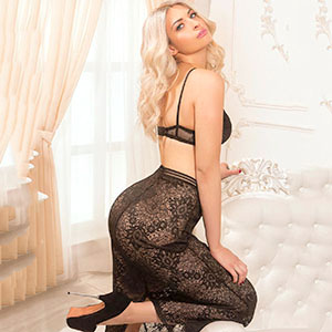 High Class Escort Ladie Serseja in Dessous diskret bestellen zum Hotel Berlin für Sex