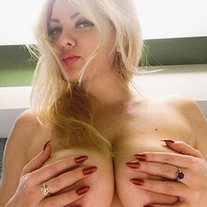 Busty Escort Model Maria Maria In Berlin Is Looking For A Man For Sex