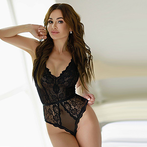 Elegant Escort Wife Sonia Top Elite Sex Partner In Berlin For Lonely Nights At The Hotel