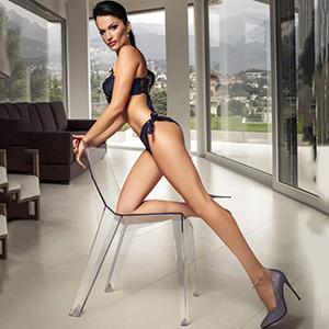 Varvara Privatmodel Berlin extrem dünn mit großen Titten bietet 1A Sex Escortservice