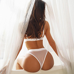 Flirt model Vlada likes to pop with French at your service via the escort agency Berlin