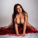 Winona elegante Begleitung Berlin mit erotischen rundungen bietet Männern Sexmassage